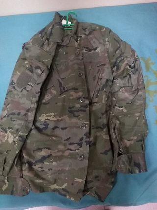 se vende uniforme pixelado