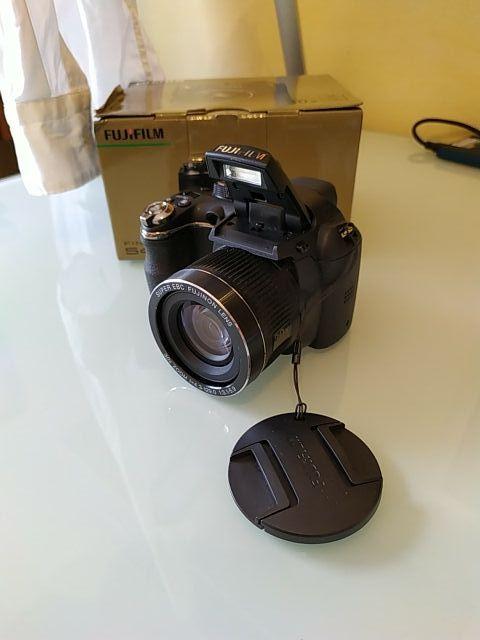 Cámara Fujifilm Finepix S4000