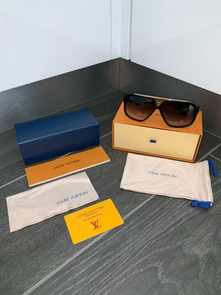 Louis Vuitton Evidence Sunglasses - NEW