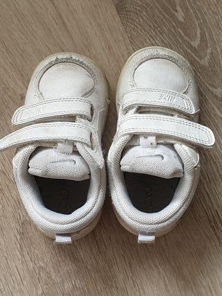 Zapatillas Nike Núm 21.