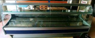 vitrina refrigerada con reserva 2,5 M