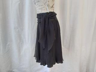 Massimo Dutti falda negra de seda Talla S