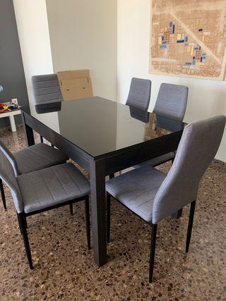 Mesa abatible con 6 sillas