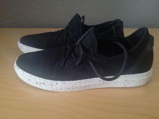 Zapatillas casual Zara negras talla 42