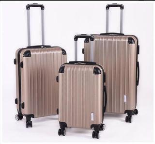 Set de 3 maletas color champagne NUEVO.