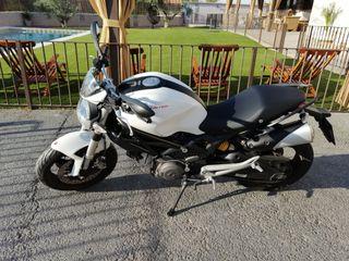 Ducati Monster 696+ABS