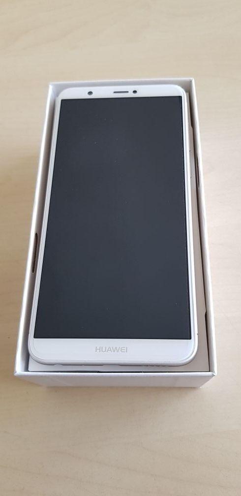 Huawei P Smart Gold Rom 32 GB RAM 3 GB.