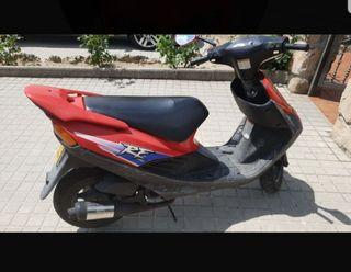 Se vende Suzuki de 50cc