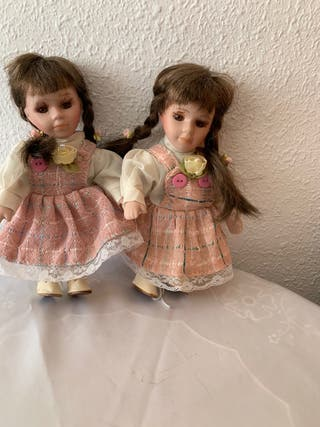 Muñecas gemelas de porcelana