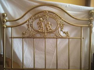 cabecero de cama 1,15cm de ancho y alto 1,35 cm