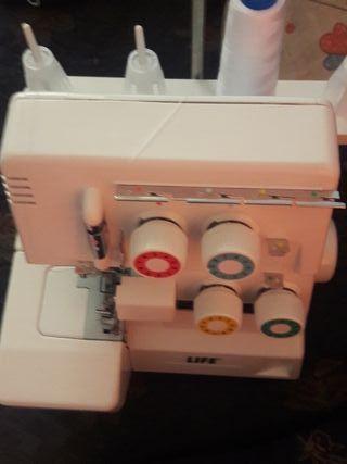máquina de coser tipo overlock