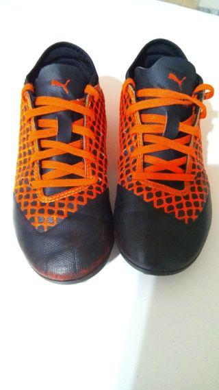 Botas de fútbol Puma talla 32