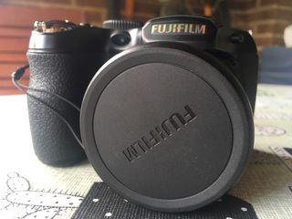 Cámara Fujifilm Finepix S SEMINUEVA