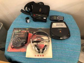 Pack años 80: nokia 3310, discman, auriculares...