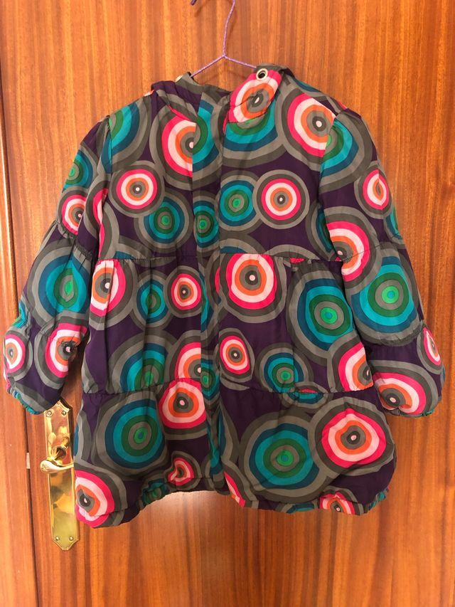 Preciosa chaqueta/abrigo DESIGUAL T4-5 años.
