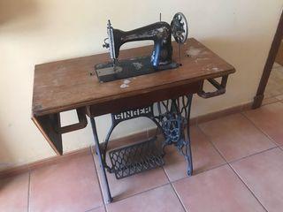 Maquina de cocer antigua singer