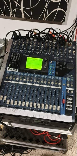 Mesa de Mezclas Digital Yamaha 01V96