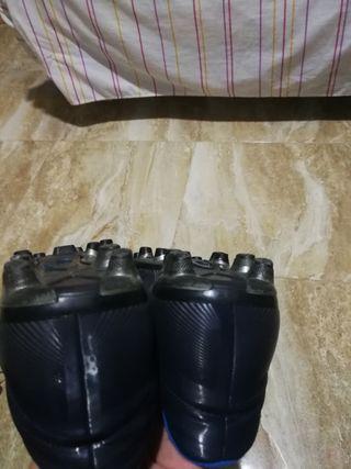 botas de fútbol Nike talla 45