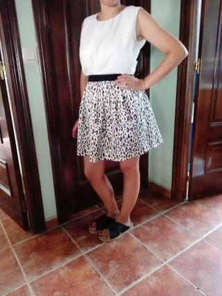 Conjunto invitada blusa y falda animal print