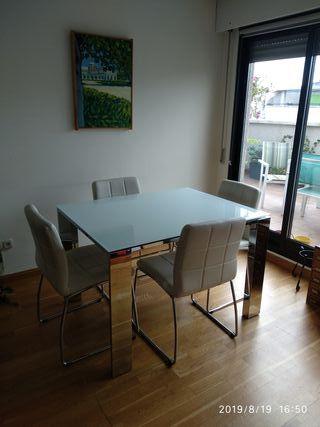 mesa comedor moderna de cristal y 4 sillas