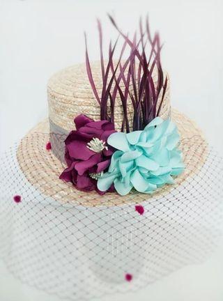 canotier flores y plumas hecho a mano. NUEVO