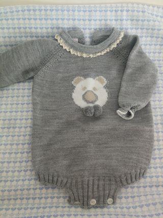 Ranita gris impecable talla 1-3 meses