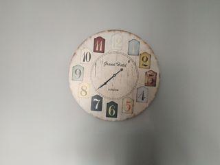 reloj grande pared