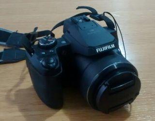 Cámara Fujifilm Finepix S1 Bridge - semi compacta