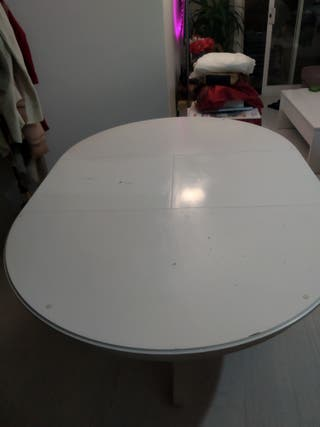 Mesa extensible comedor blanca + 3 sillas a juego