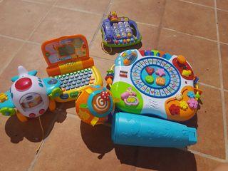 juguetes variados de bebe