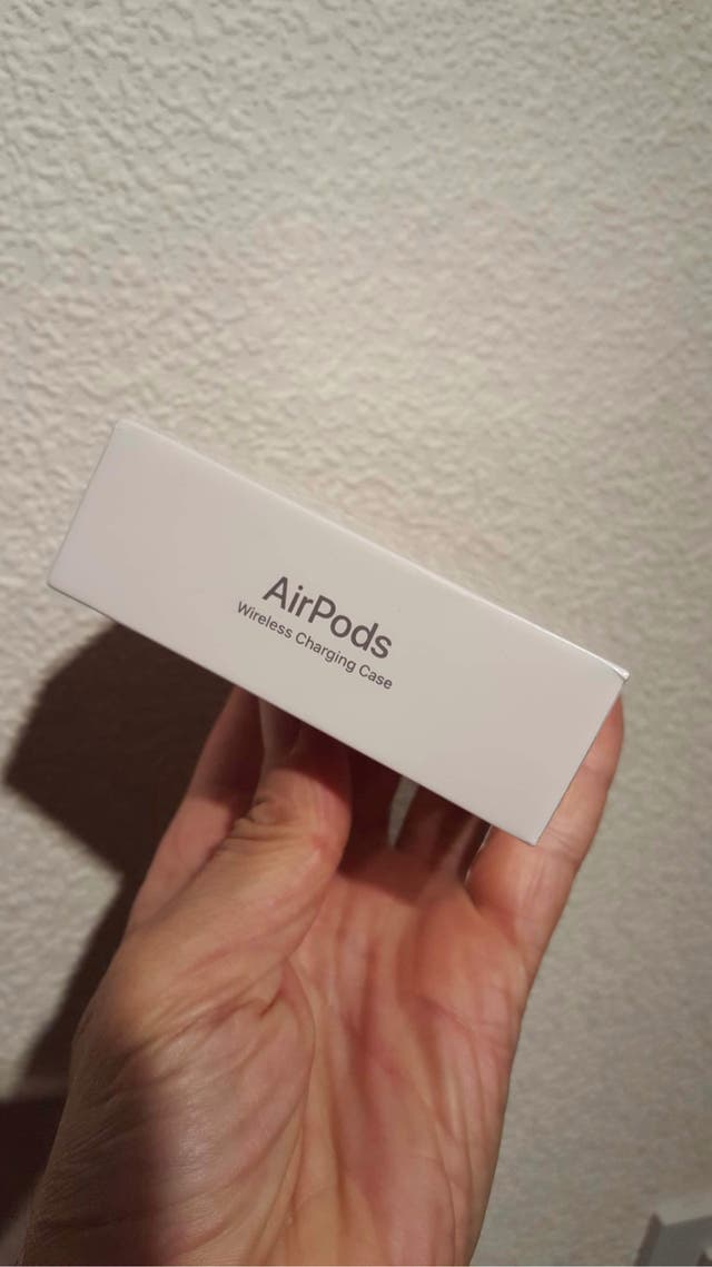 Gen 2 Apple Airpods