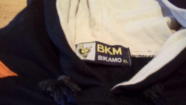 Camiseta con capucha Skeater Bikamo
