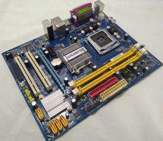 Placa base Gigabyte GA-945GCM-S2L Intel lga775