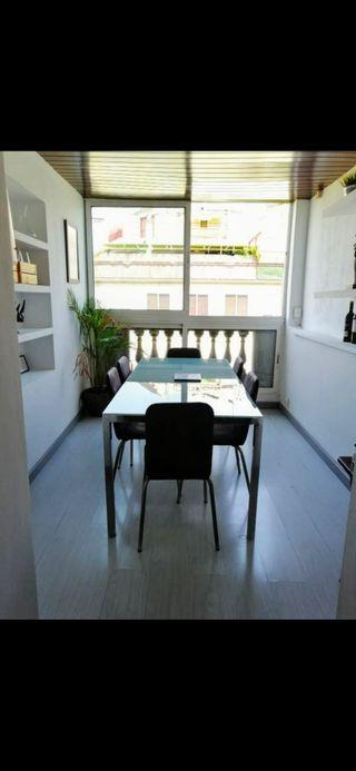 Mesa de Cristal +6 sillas de piel