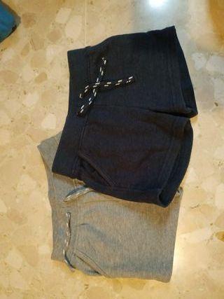 Dos pantalones talla 12/24meses.
