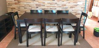 mesa de comedor extensible de Ikea con 8 sillas