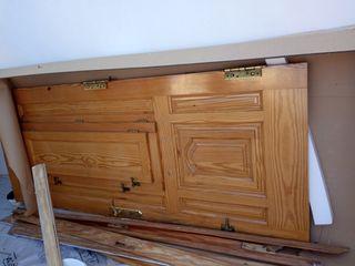 puerta de exterior de madera maciza