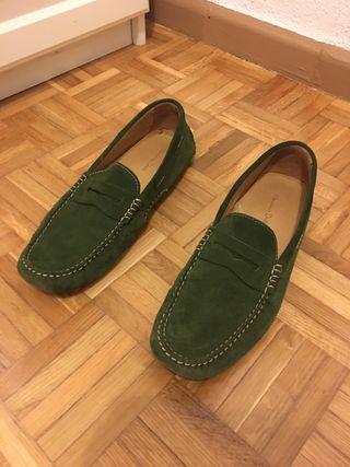 Mocasines piel verde Massimo Dutti T 45