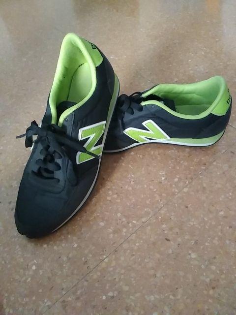 new balance negras con verde
