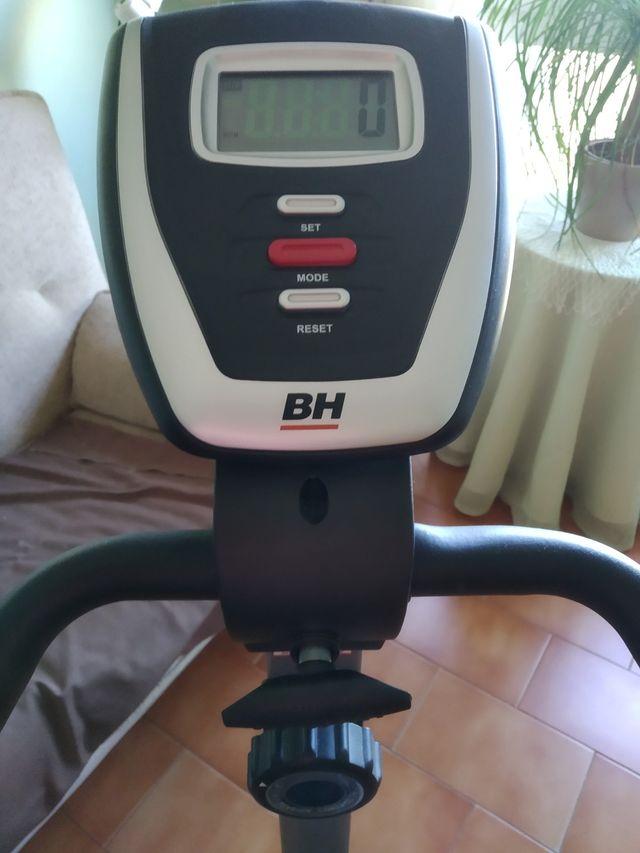 Bicicleta estática BH impecable