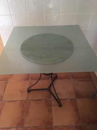 Mesa de mármol con Cristal