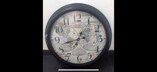 Reloj grande de pared, estilo vintage