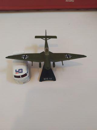 Avion Mig 15 aeromodelisno