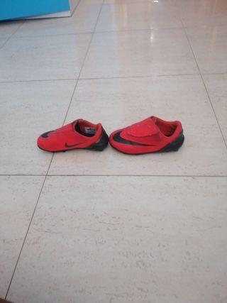 botas de fútbol cr7