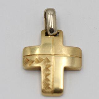 Cruz pequeña de oro labrado segunda mano E333832B
