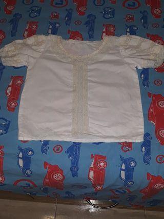 Camisa Valenciana niña. T 6-8 años.