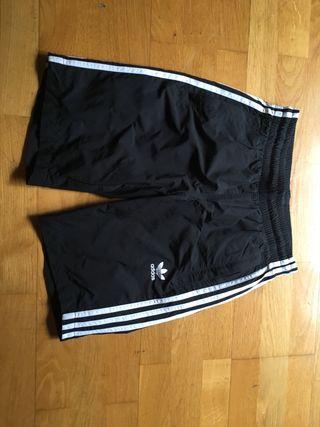 Pantalon corto bañador adidas talla xs (36)