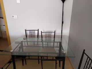 Mesa Cristal de Salon y 4 sillas de forja