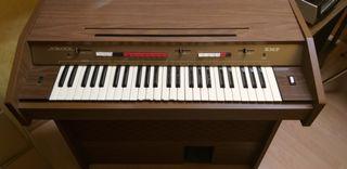 Piano órgano electrónico con mueble