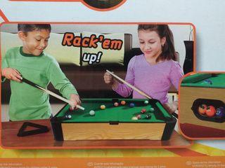 mini mesa de billar. snooker